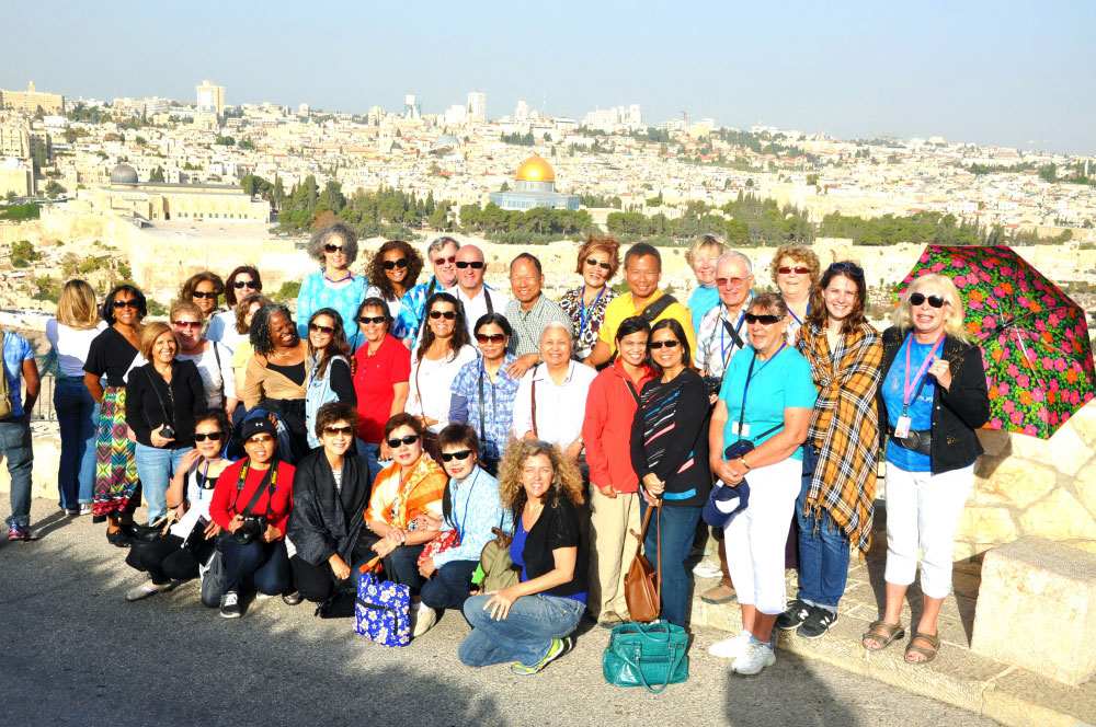 Sun and warm people enjoying Jerusalem