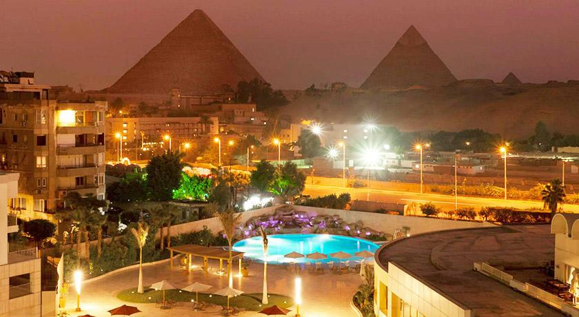 Le Méridien Pyramids Hotel & Spa (First Class)